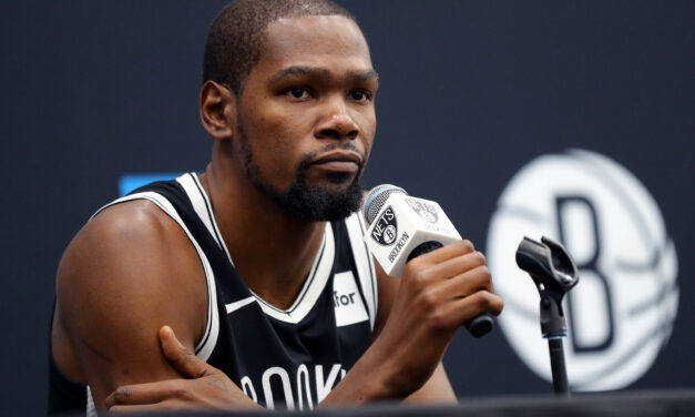 Kevin Durant's Immature Nature Separates Him From LeBron and Jordan